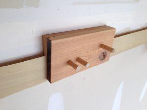 8-three-dowel-holder